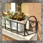 Подставка под цветы на подоконник