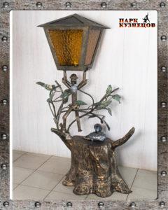 Скульптура-фонарь